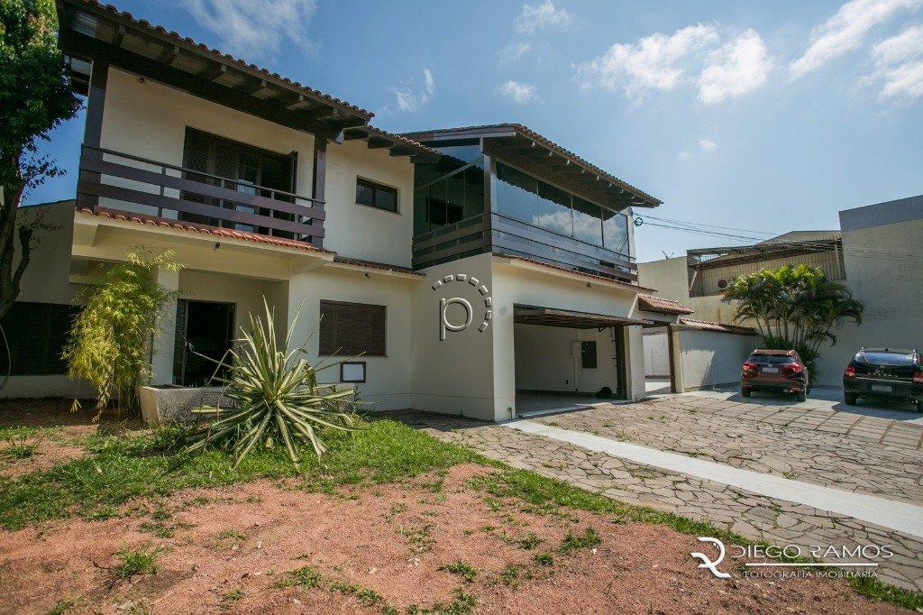 Casa à venda de 7 dormitórios no IPANEMA em Porto Alegre
