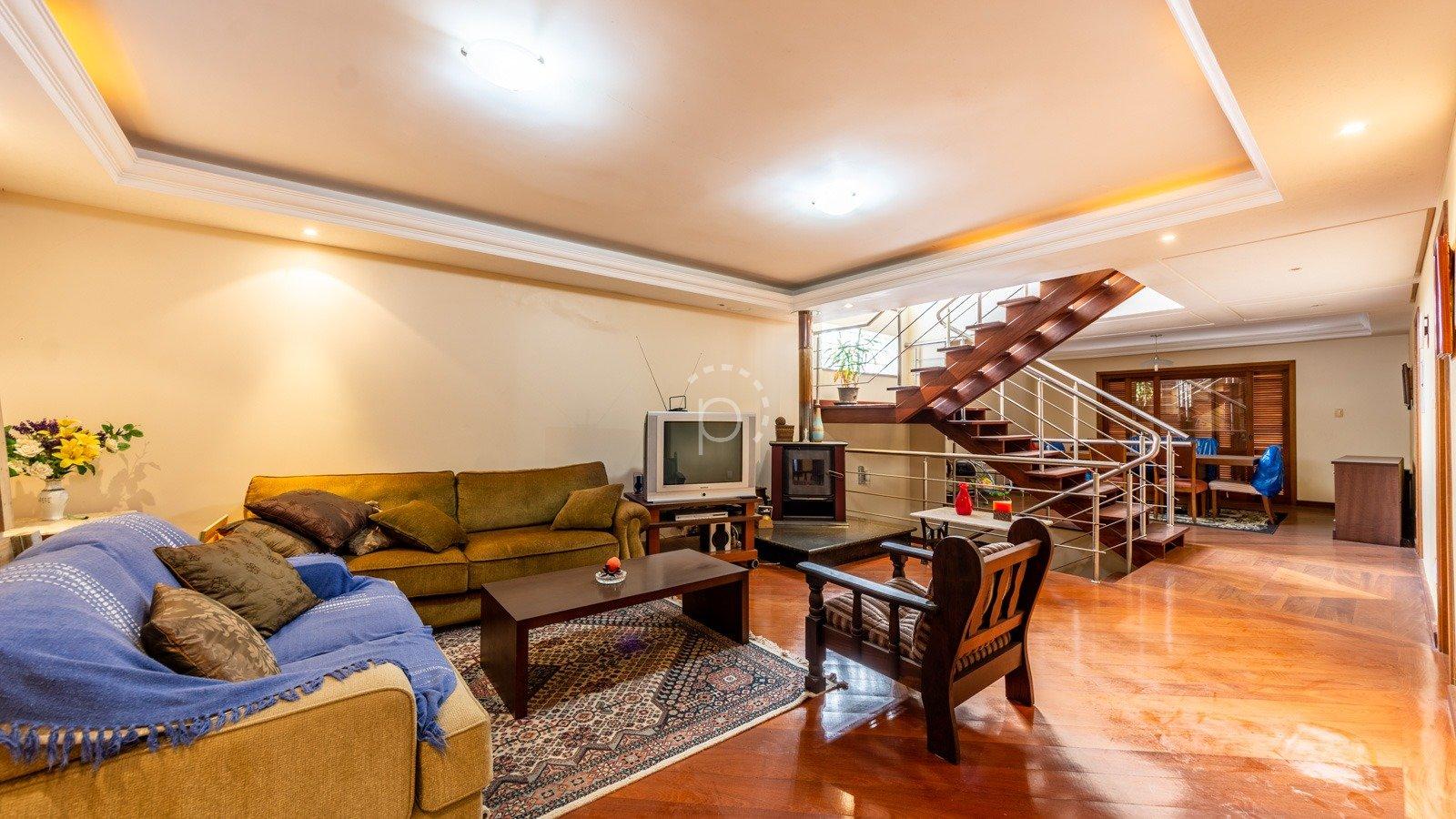 Casa à venda de 4 dormitórios no VILA ASSUNÇÃO em Porto Alegre