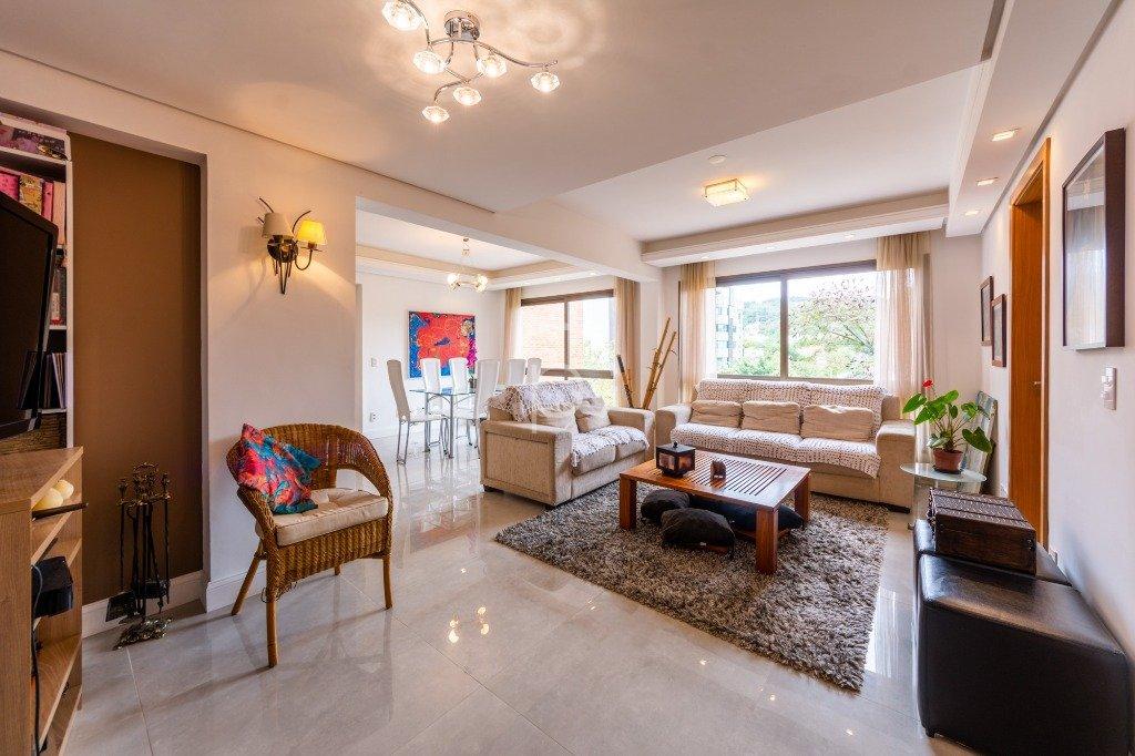 Apartamento à venda de 4 dormitórios no TRISTEZA em Porto Alegre