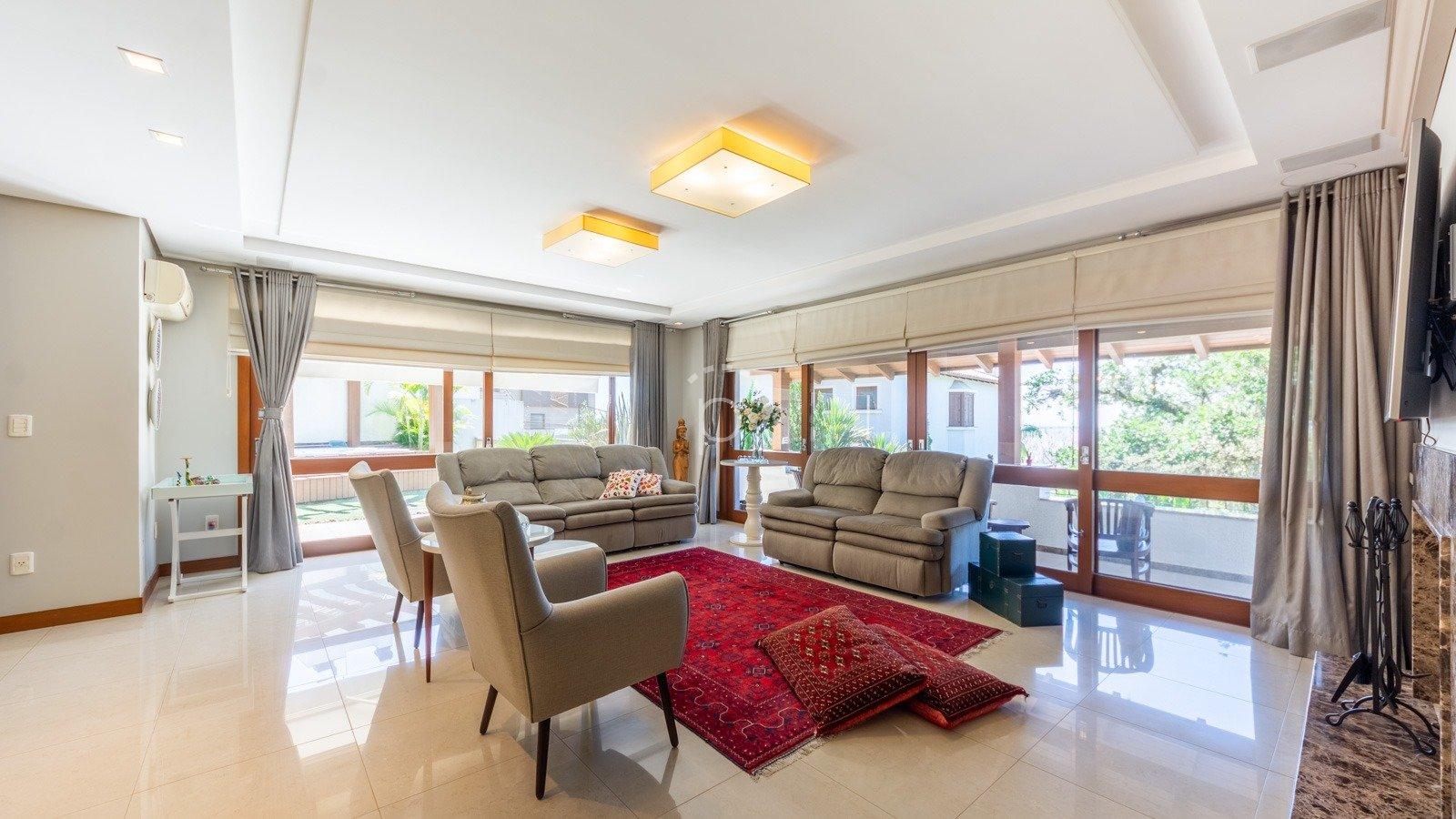 Casa em Condomínio à venda de 4 dormitórios no VILA ASSUNÇÃO em Porto Alegre