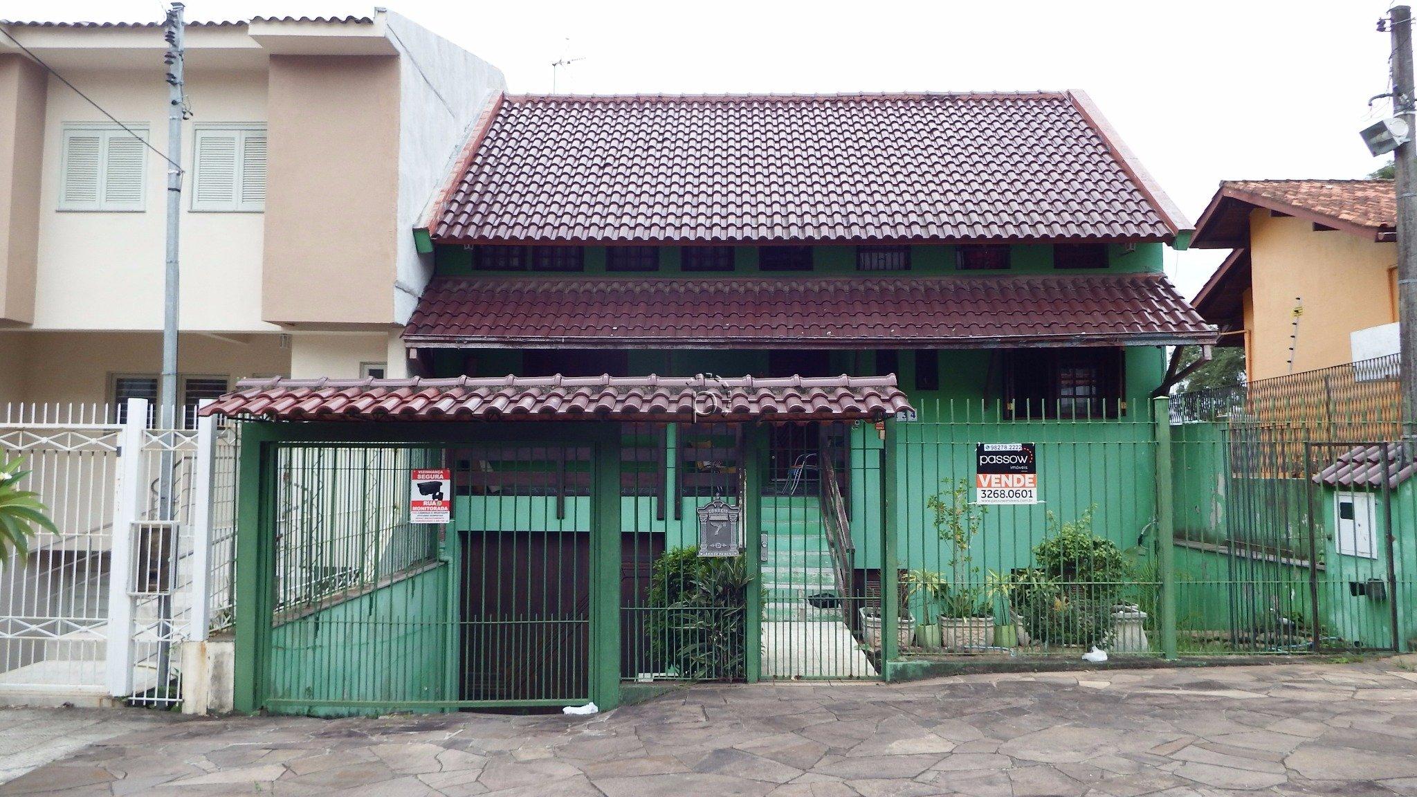 Casa à venda de 4 dormitórios no IPANEMA em Porto Alegre