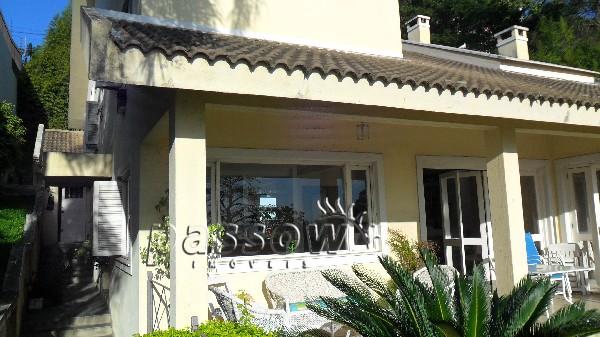 Casa à venda de 4 dormitórios no CRISTAL em Porto Alegre